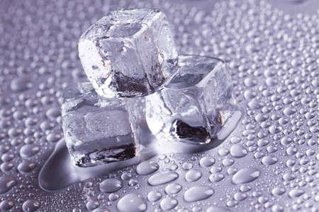 cubos de hielo: Cubitos de hielo