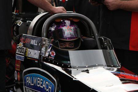 dragster: Nov. 2008 nhra race, las vegas speedway, Hillary Will, Top fuel