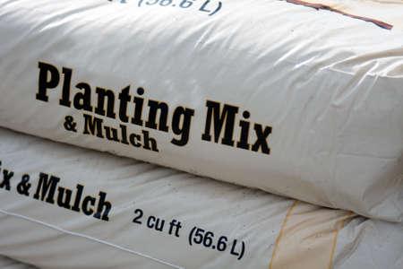 paillis: Sac de 50 kilo de m�lange de plantation et de paillis pour le jardinage