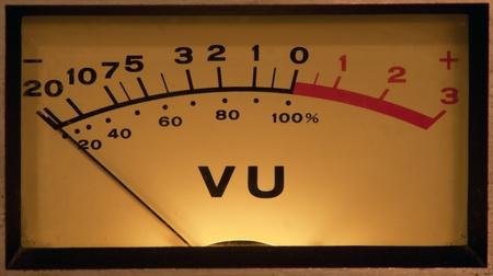 오디오: 빛 빈티지 VU 미터 스톡 사진