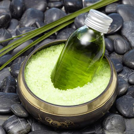 singing bowl massage: Bath with bath oil