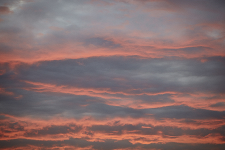 Cloudy skies in the evening at sunset Standard-Bild