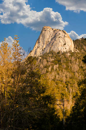 Mount Tahquitz is a scenic granite faced mountain in Idyllwild California, also call suicide rocks, that is majestic and stunning to look at and photograph 免版税图像