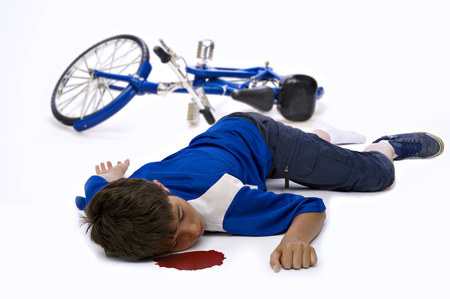 12 13 years: Young man who has had an accident in bicycle
