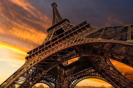 'tour eiffel': Super wide shot of Eiffel Tower under dramatic sunset, Paris, France