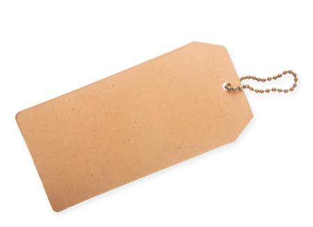 Kartonnen prijskaartje geïsoleerd op een witte achtergrond