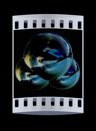 water molecule: 3d ilustraci�n de una mol�cula de agua aisladas sobre fondo negro. La tira de pel�cula