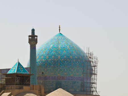 Dome and minaret of Imam Mosque in Isfahan, Iran Stock Photo - 19454695
