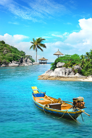 Longtail boat in paradise. Longtail boat in turquoise waters, Koh Tao, Thailand Reklamní fotografie