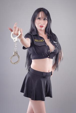 Сексуальные девушки полицейские в наручниках
