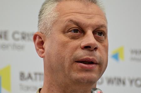 antiterrorist: KYIV, UKRAINE - OCTOBER 18, 2016: Speaker of the Ukrainian presidential administration on the anti-terrorist operation in eastern Ukraine, Colonel Andrei Lysenko