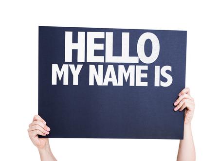 Handen die kaart met tekst Hello My Name Is op een witte achtergrond