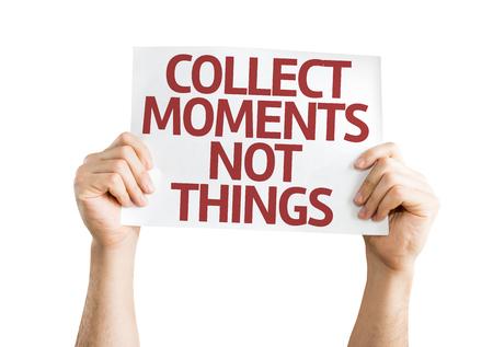 recoger: Tomados de la mano Momentos recoge no tarjeta de cosas aisladas sobre fondo blanco