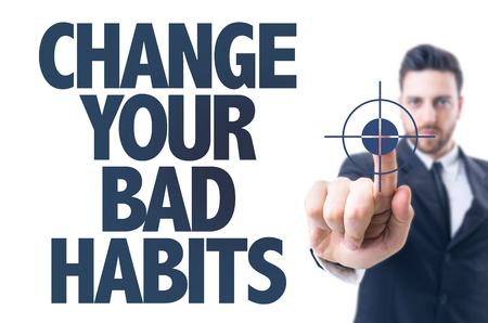malos habitos: hombre de negocios que se�ala el texto: cambiar sus malos h�bitos