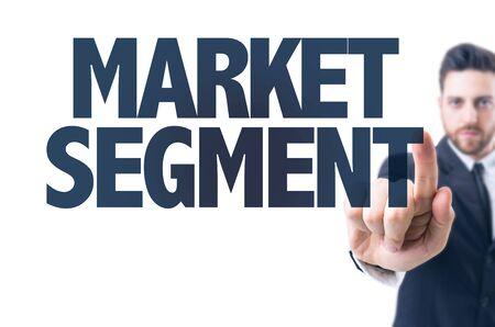 segmento: hombre de negocios que se�ala el texto: Segmento de Mercado