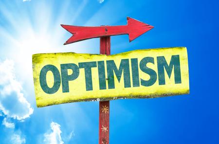 optimismo: signo de optimismo con la flecha en el fondo de sol