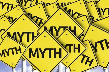 cartelli stradali multipli con il testo: Miti