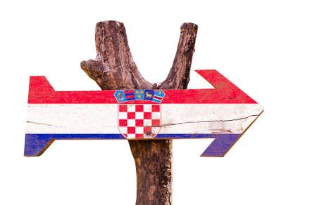 bandera croacia: Bandera de Croacia tablero de la muestra de madera sobre fondo blanco