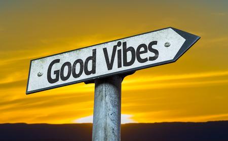 positivismo: Buen rollo de la muestra con el fondo del atardecer