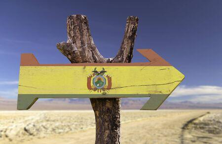 bandera de bolivia: signo de la bandera de Bolivia con la flecha en el fondo del desierto