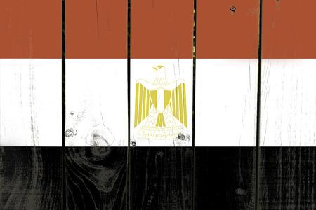 bandera egipto: Bandera de Egipto en el fondo de madera