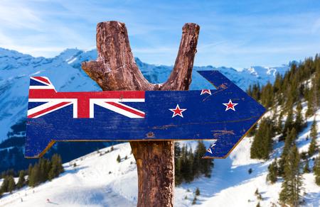 bandera de nueva zelanda: signo de la bandera de Nueva Zelanda con el fondo al aire libre