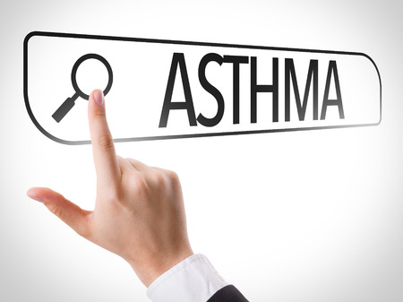 Búsquedas manuales en línea en el fondo blanco con el texto: Asma