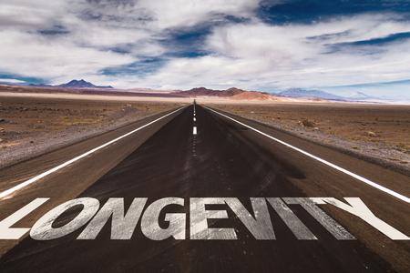 Longévité écrit sur la route