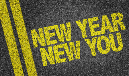 Tar 道路上のテキスト: 新しい年、新しい 写真素材 - 61039466