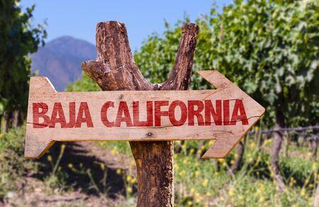 tablero de la muestra de madera en parque con el texto: Baja California