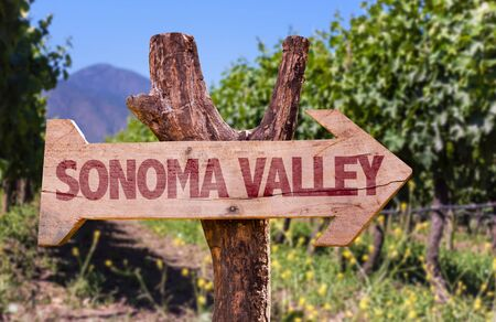 sonoma: Wooden sign board in park with text: Sonoma Valley Stock Photo