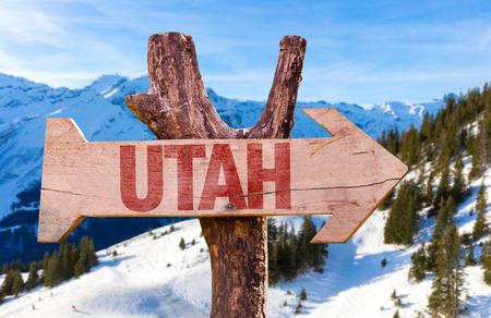 Utah houten bord met winter achtergrond Stockfoto