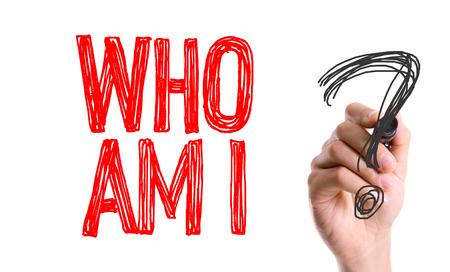 Hand mit Markerschrift: Wer bin ich?