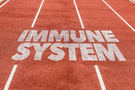 Pista de atletismo con la palabra sistema inmunológico