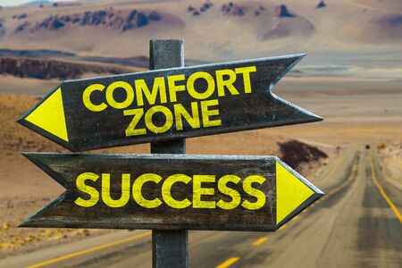 Comfort zone or success signage on a highway Foto de archivo - 129783725