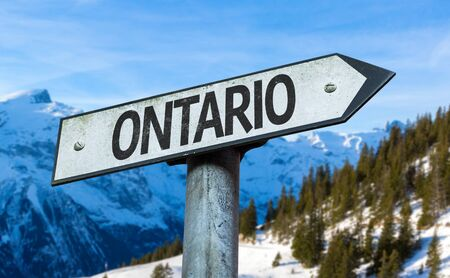 Ontario snow mountain signage 版權商用圖片