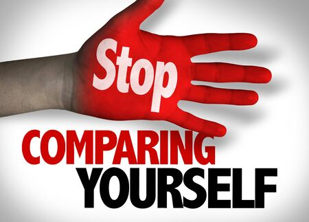 Deja de compararte a ti mismo concepto Foto de archivo