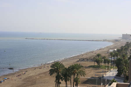 If you are in the capital of the Costa del Sol, you want to bathe and ... Do not worry! In Malagacapital you can also enjoy the best beaches. Urban, very easy access and offering a wide variety of services
