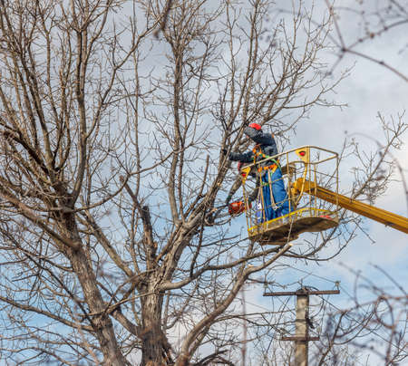 electricians clean electric wires