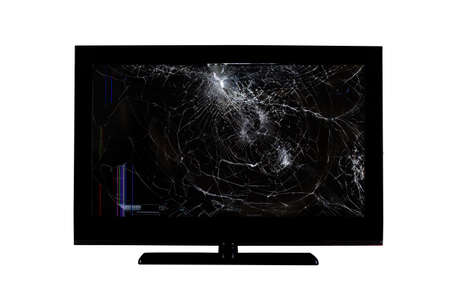 Farbige Streifen und Risse auf einem zerbrochenen Bildschirm einer Flüssigkristallanzeige, eines Computermonitors oder eines Full-HD-Fernsehers einzeln auf weißem Hintergrund