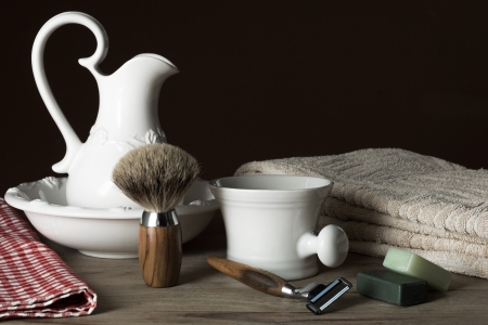 Shaving Tools with Washbasin and Towel Banco de Imagens