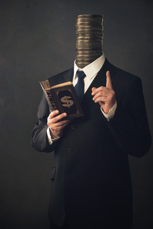 admonester: Businessman with moral pointing finger and the handbook for making money Banque d'images