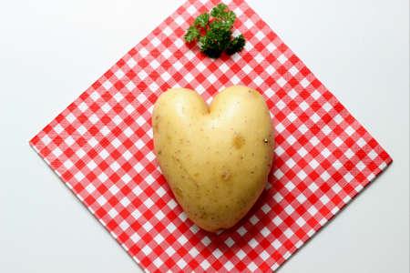 servilleta de papel: Herzkartoffel auf Serviette