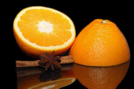 halved  half: Apfelsine und Sternanis