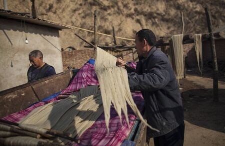 desague: Fideos tradicional de drenaje manual