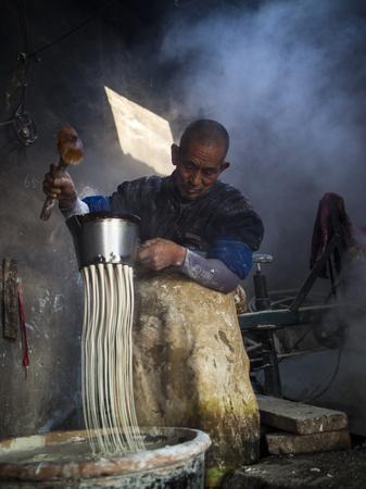 drain: Traditional manual drain noodle