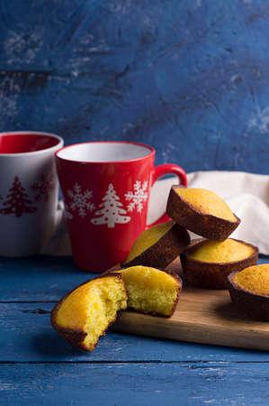 Cupcakes and Christmas mugs