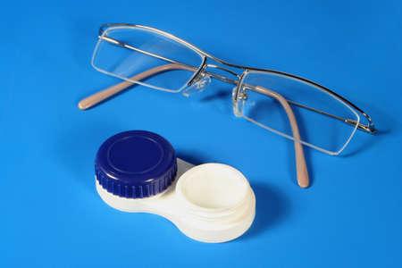 contact lenses: gafas y lentes de contacto Foto de archivo