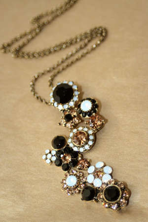 pompous: necklace with glittering gems