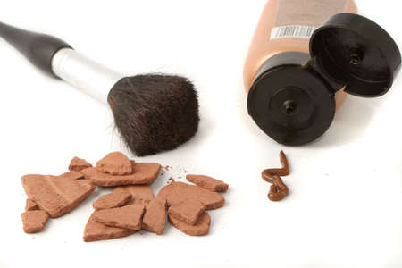 self conceit: beauty brushes and self tanning bronzer
